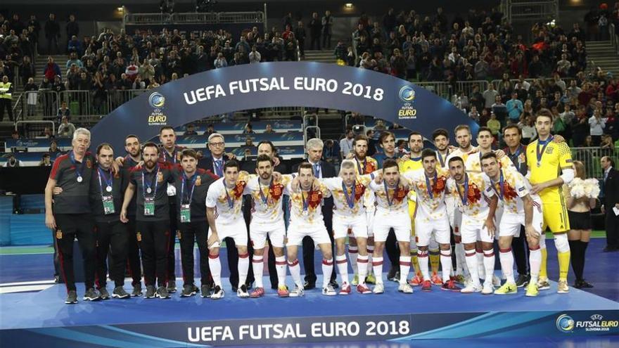 Un doble penalti en la prórroga deja a España sin ganar la corona