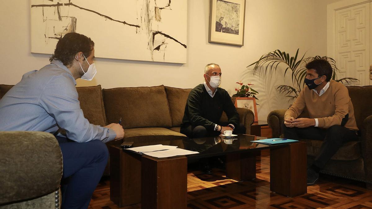 Carlos Mazón y Eduardo Dolón en su reunión con la CEV