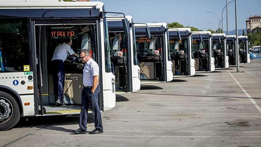 Los nuevos autobuses de la EMT se retrasan por  la adaptación al sistema informático