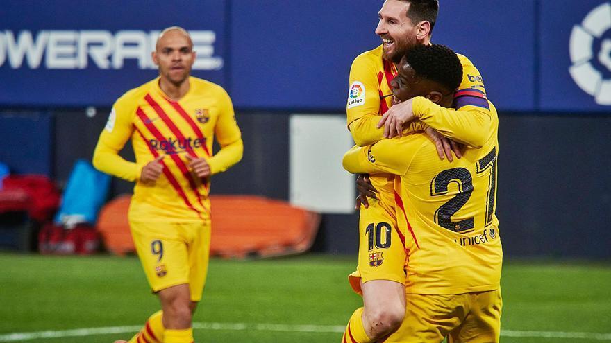 El Barça alarga en Pamplona su buena racha y aprieta la lucha por el título