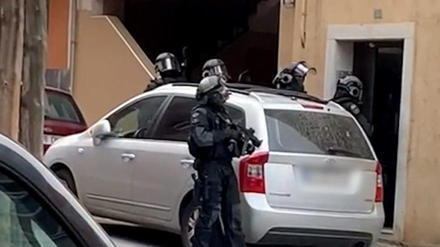 Detenen un clan familiar especialitzat en robatoris en àrees de servei de l'AP-7