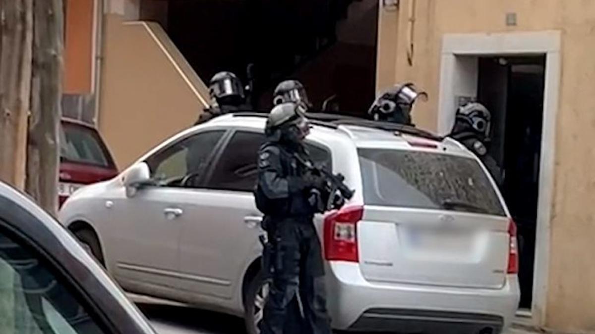 L'operació policial per detenir els membres del clan familiar.