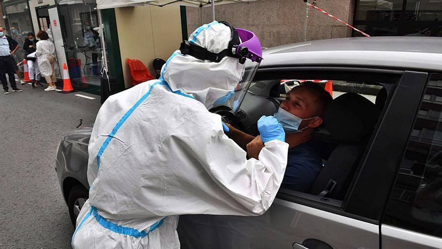 El numero de infectados por coronavirus se multiplica por cinco en A Coruña en un mes