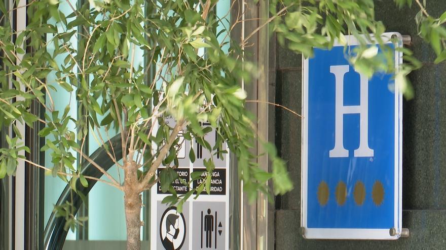 Las nuevas restricciones de la Junta provocan la cancelación de celebraciones familiares en hoteles de la comunidad