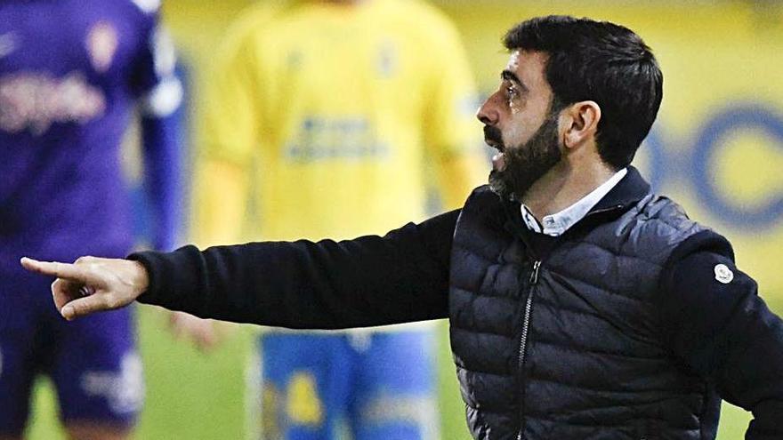 David Gallego, ayer, durante el partido ante Las Palmas. | LOF