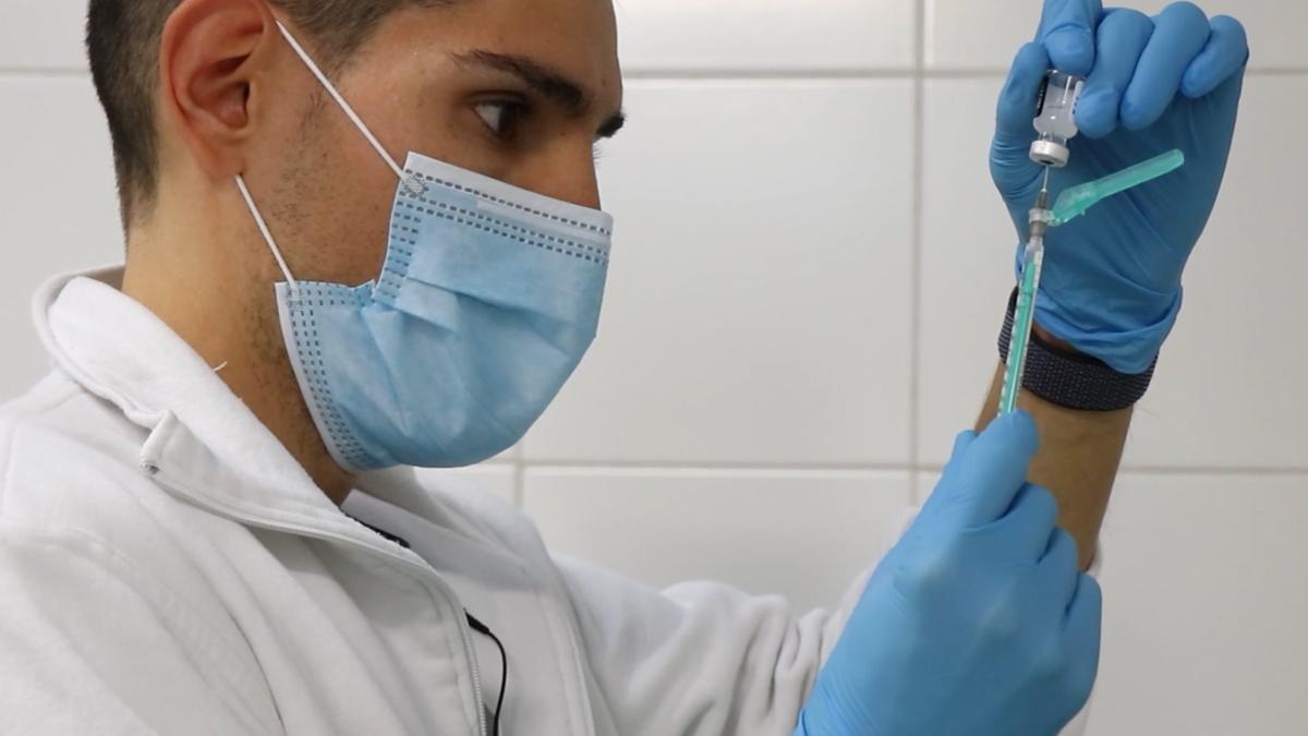 Comienza la vacunación a los mayores de 90 años en los centros de salud