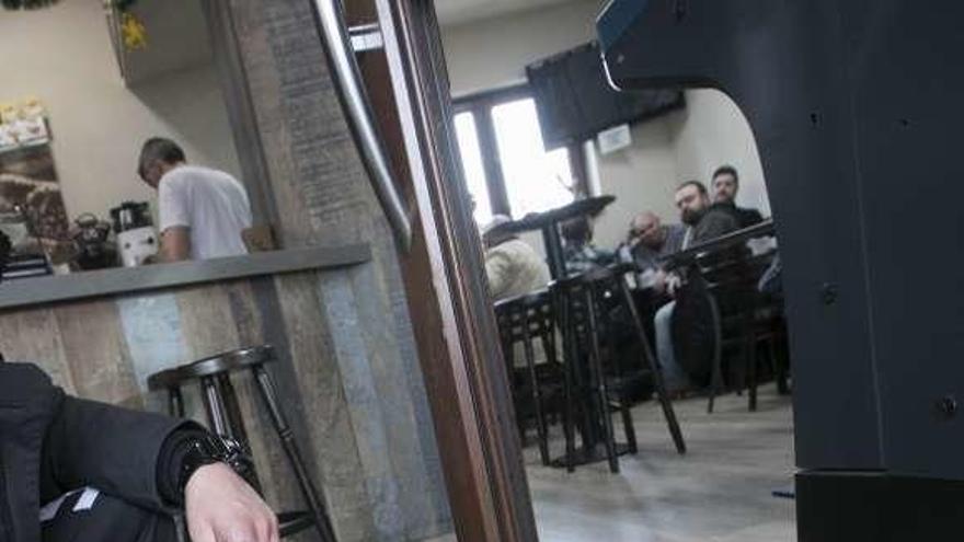Los cacos roban por cuarta vez este año en un bar de Versalles