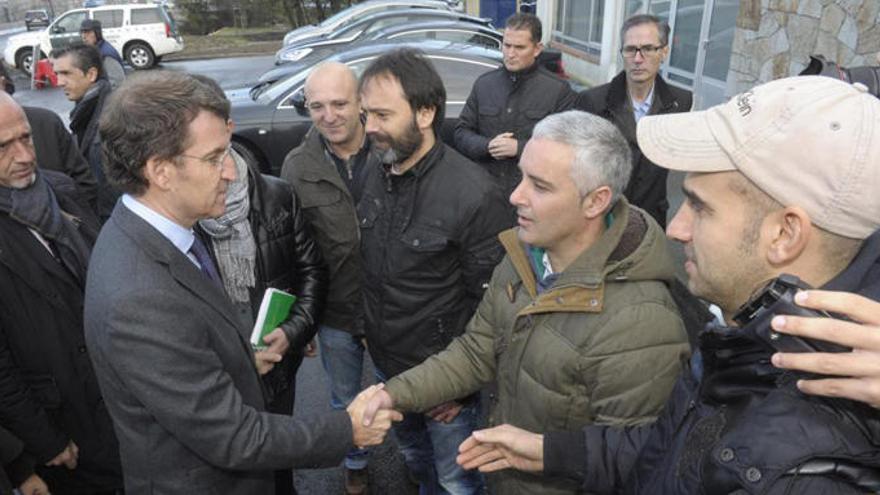 """Feijóo buscará coordinación con Asturias ante la """"mala noticia"""" de Alcoa"""