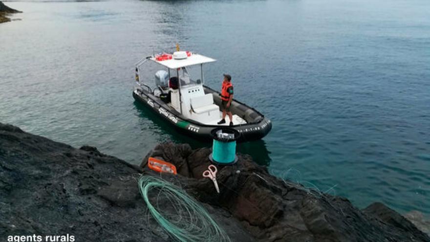 Els Agents Rurals intercepten tres homes furtius que volien pescar dins del Parc Natural del Cap de Creus