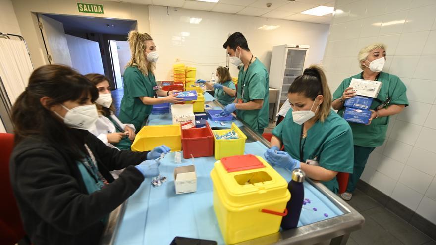 El gran equipo del centro de vacunación del Auditori de Castelló