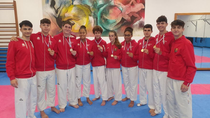 El taekwondo balear triunfa en XX Open Internacional Ciudad de Ribeira