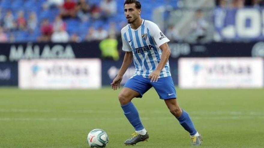La abuela de Luis Muñoz anuncia por Twitter que seguirá en el Málaga y no fichará por el Real Oviedo