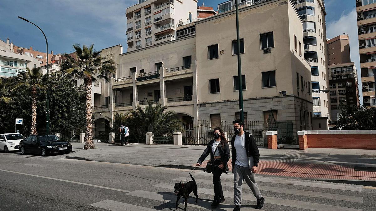 El antiguo edificio del Gobierno Militar en el Paseo de la Farola, que acogerá a partir de 2023 el Centro de Ciberseguridad de Google.