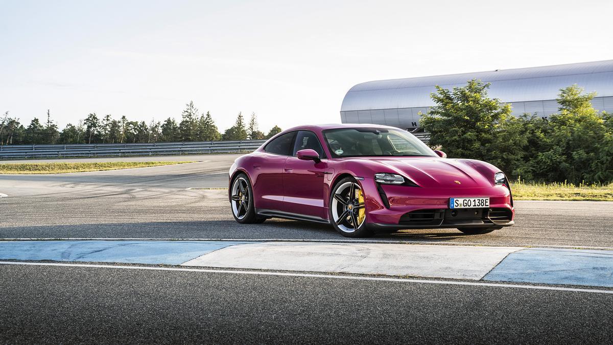 Porsche actualiza tecnológicamente el Taycan y añade más colores a su catálogo