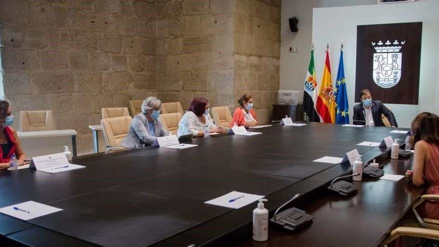 Extremadura decretará el cierre de los prostíbulos