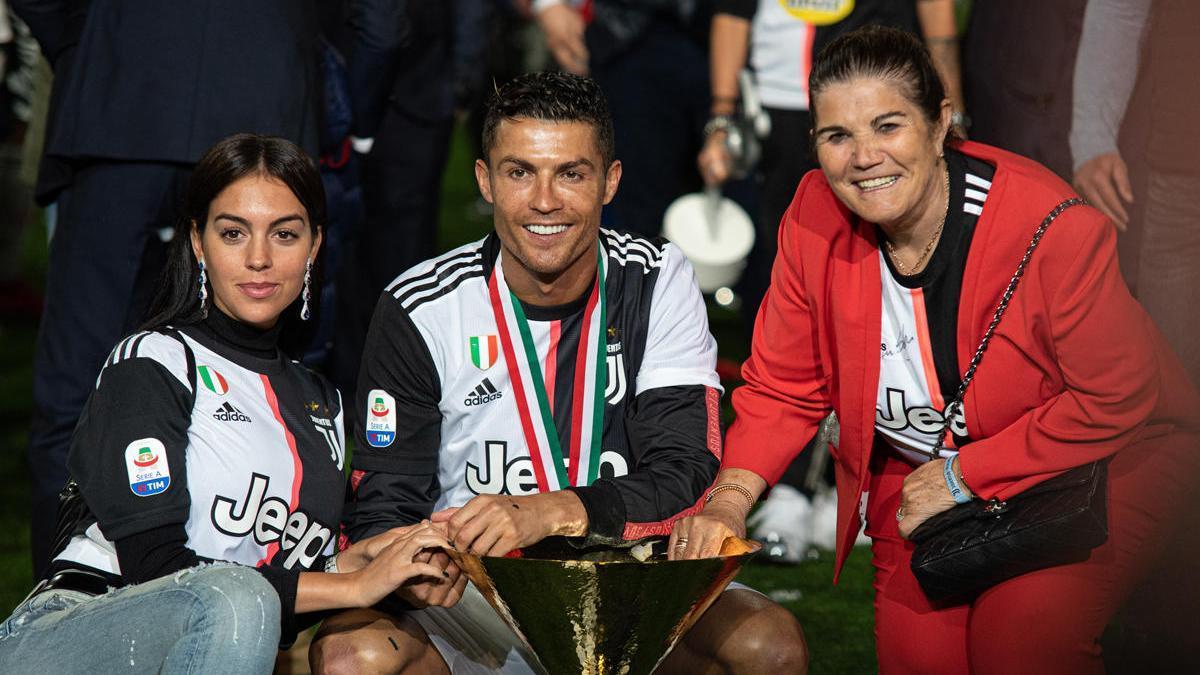 Una imagen de archivo de Georgina Rodríguez, Cristiano Ronaldo y Dolores Aveiro.