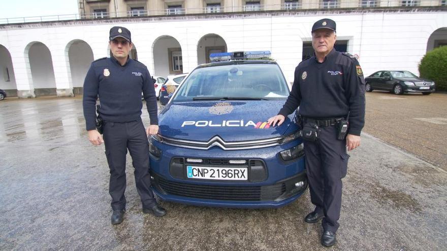Lodario Ramón, uno de los policías nacionales más emblemáticos de Oviedo, se jubila tras 42 años