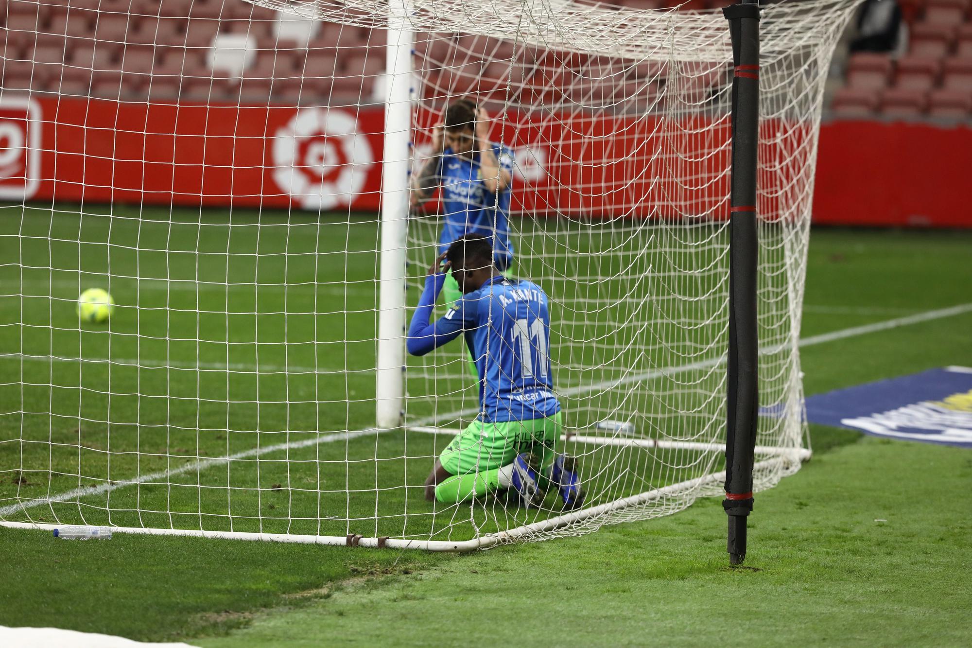 El Sporting-Fuenlabrada, en imágenes