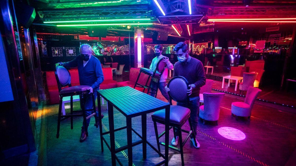 Imagen de recurso de la barra de una discoteca