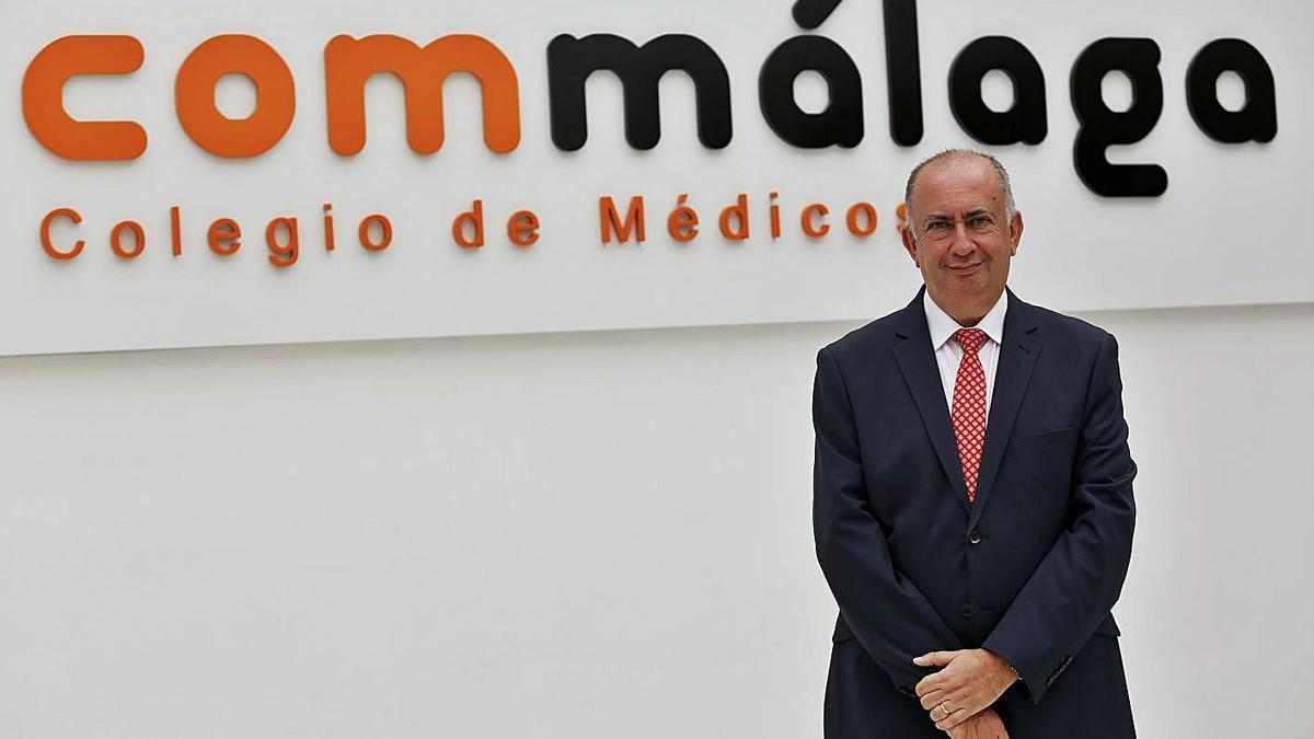 El presidente del  Colegio de Médicos, Juan José Sánchez Luque
