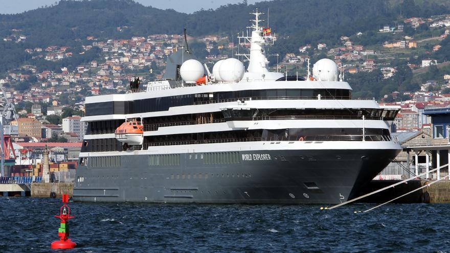Un crucero de lujo y aventura prepara en Vigo su viaje a la Antártida