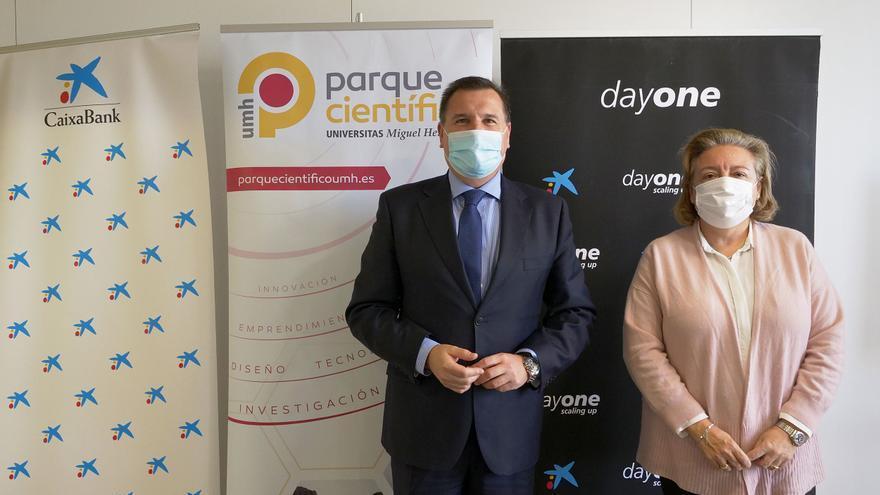 La Fundación UMH y CaixaBank colaboran para fortalecer el tejido empresarial de la provincia de Alicante
