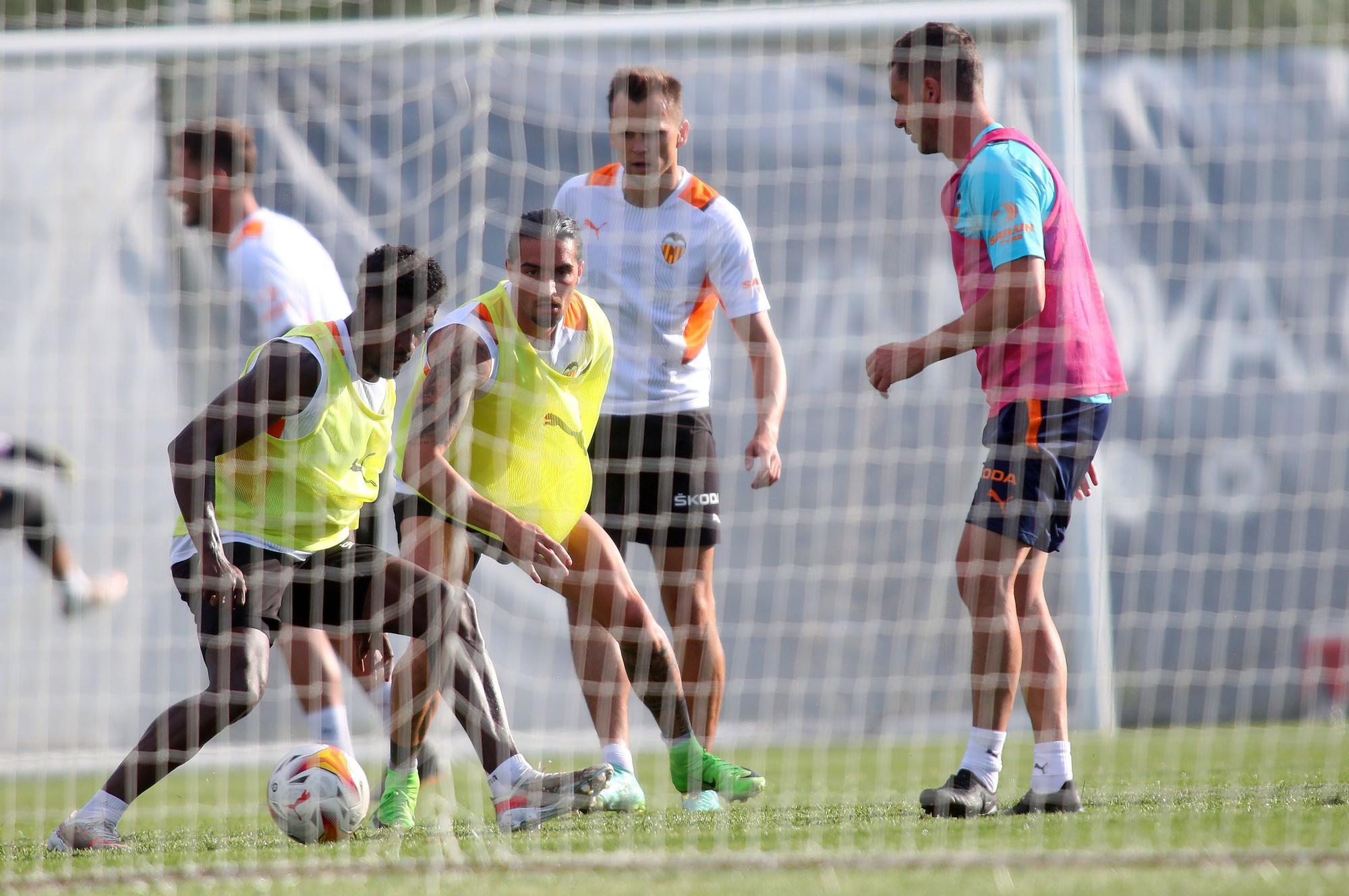 Así ha sido el entrenamiento del Valencia CF en Oliva
