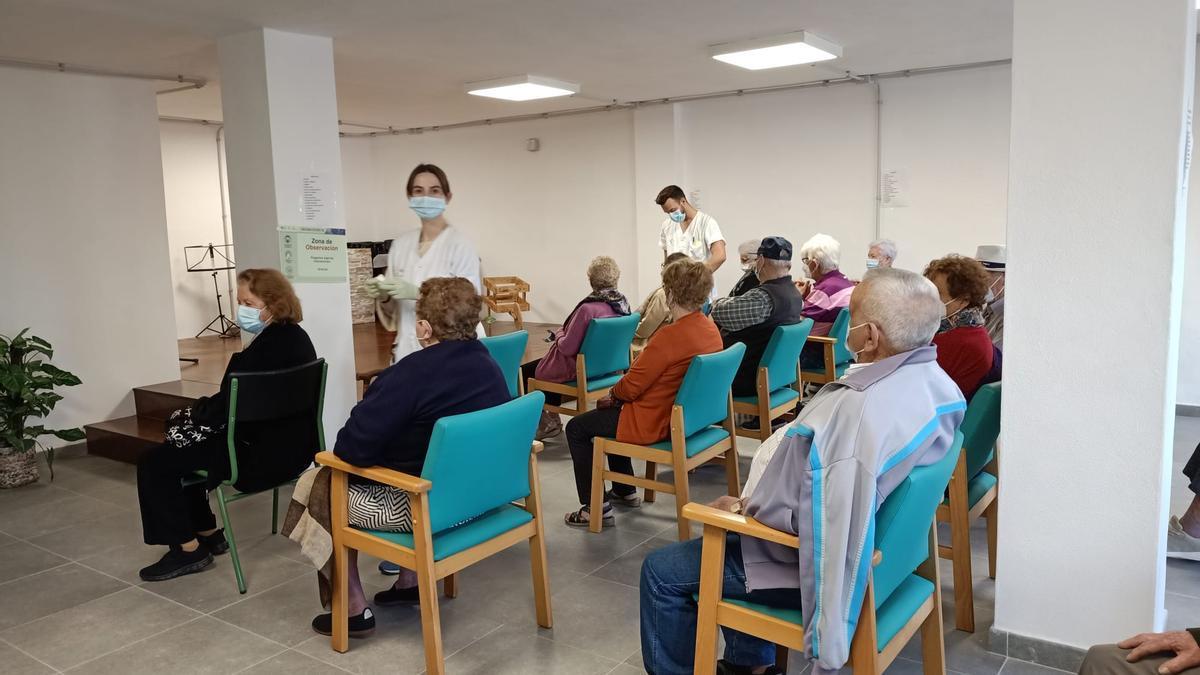 Vaccination in a senior center