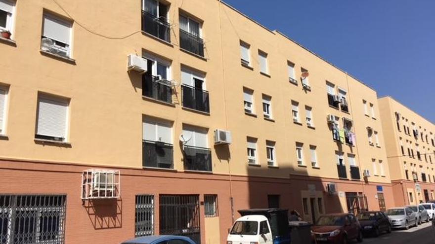 La Junta instalará dos ascensores en viviendas públicas en Juan del Encina