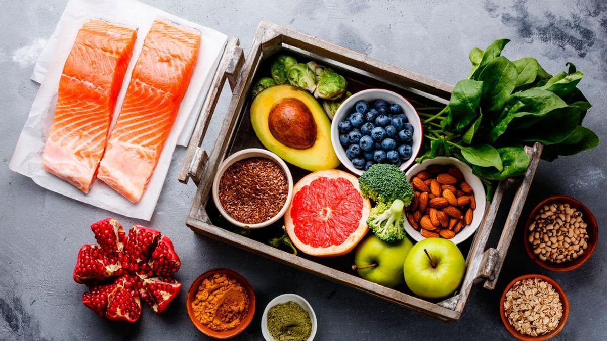 Los mejores alimentos y trucos para perder peso sin extremar tu dieta