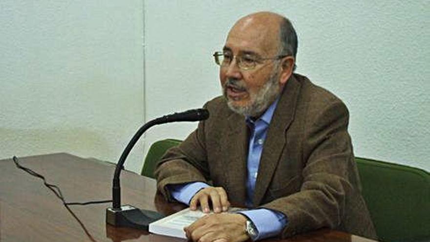 Vicente Buruaga, en la presentación de otra novela en Toro.