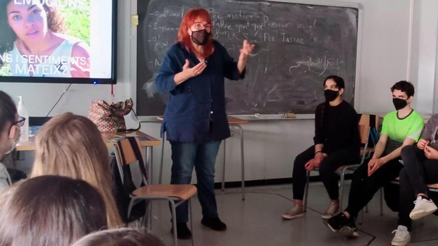 Castellbell i el Vilar estrena una nova activitat d'educació emocional a l'institut