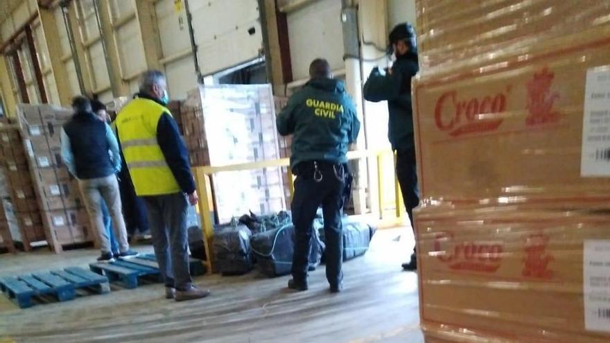 Fardos de cocaína en un envío recibido por una conservera de la Vall d'Albaida