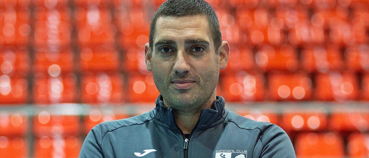 El HC Eivissa da por hecho que Tilves seguirá como técnico del primer  equipo - Diario de Ibiza