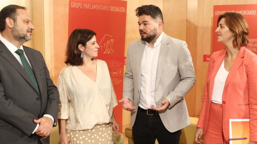 José Luis Ábalos, Adriana Lastra, Gabriel Rufián y Carolina Telechea.