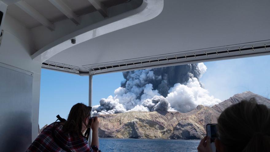 Psiquiatría de la Universidad de Oviedo estudia los efectos del volcán sobre la salud mental de los canarios