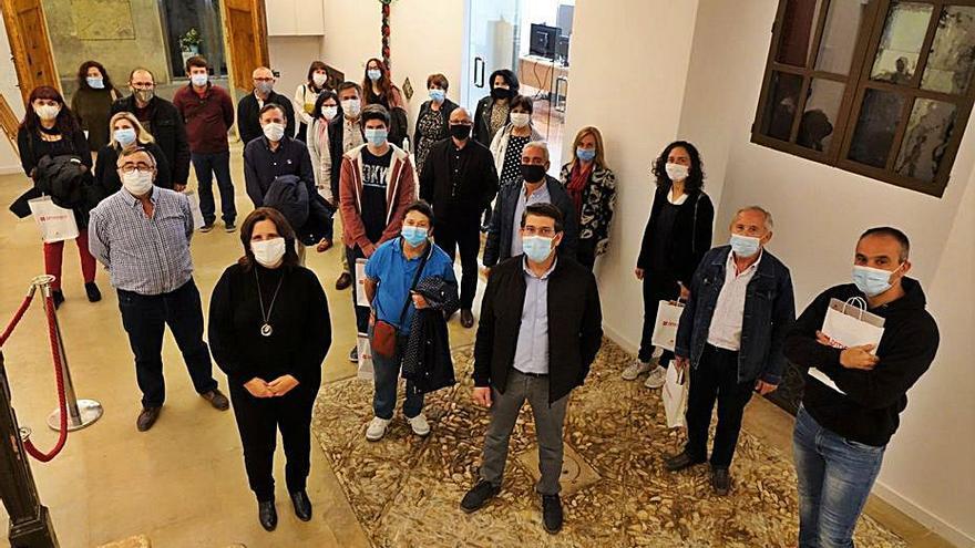 Ontinyent reconoce el trabajo de los 38 voluntarios contra el fuego