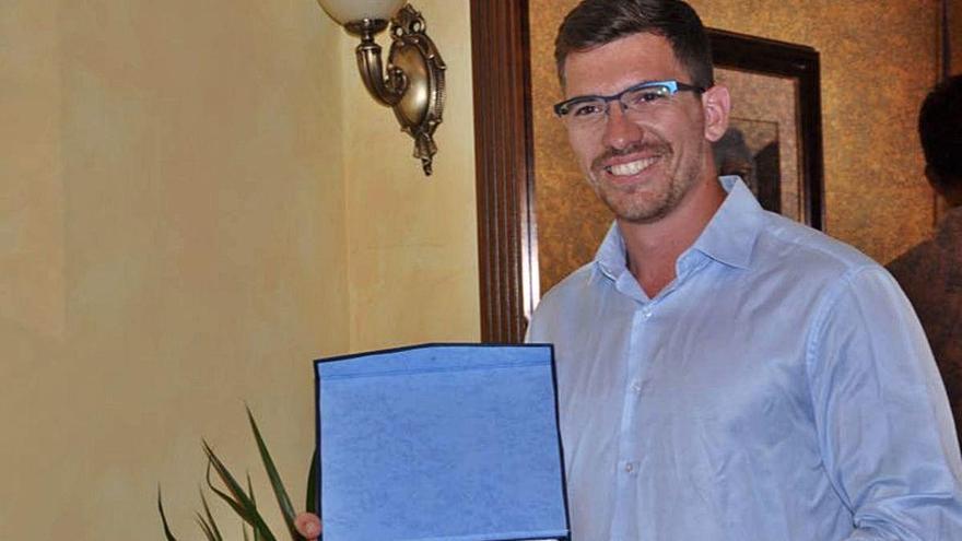Héctor Cabrera crea un manual para el entrenamiento de paralímpicos visuales