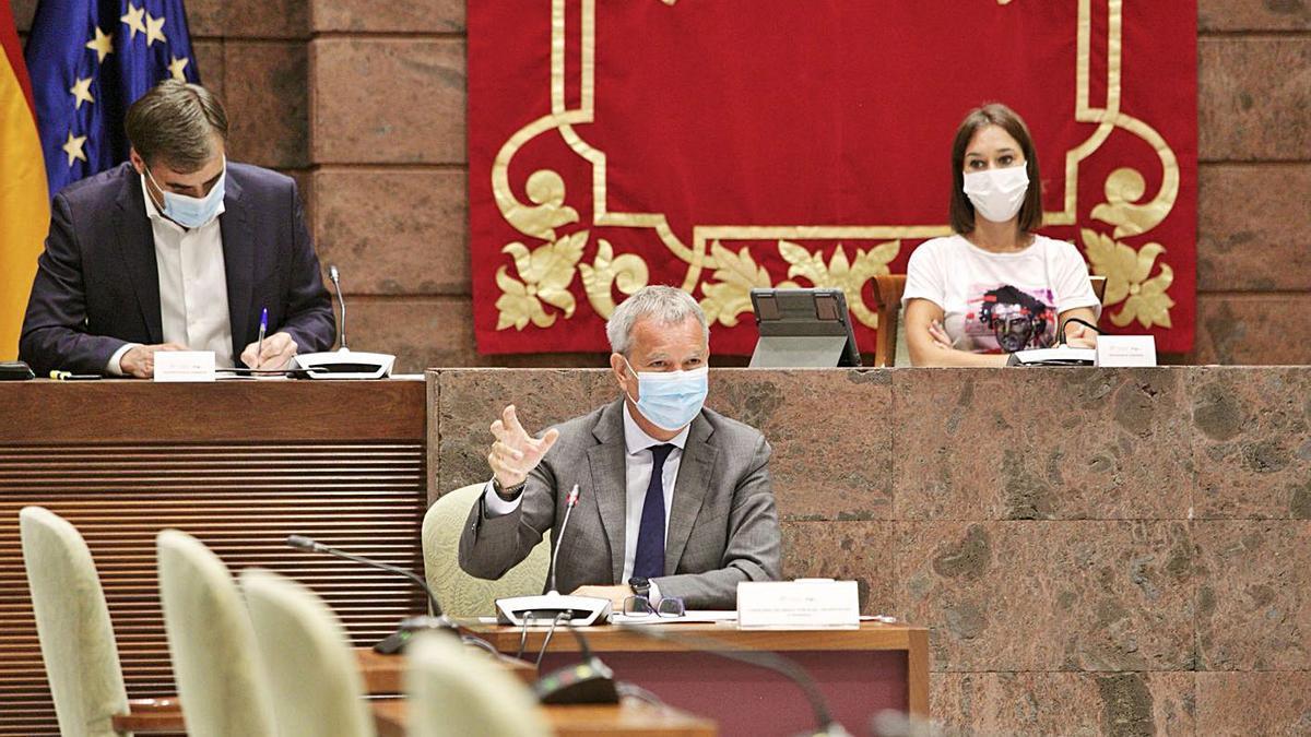 Sebastián Franquis., durante su intervención ayer en el Parlamento de Canarias     LP/DLP