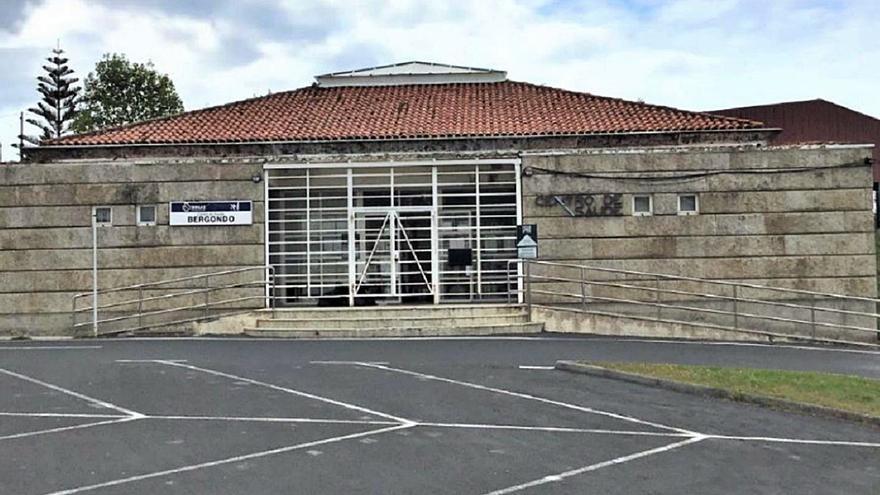 Bergondo licita la reforma del centro de salud, que tendrá entrada propia a la sala COVID