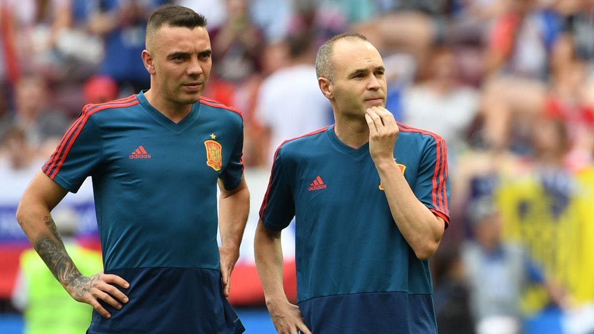 Iago Aspas y Andrés Iniesta, con la selección española durante el Mundial de 2018