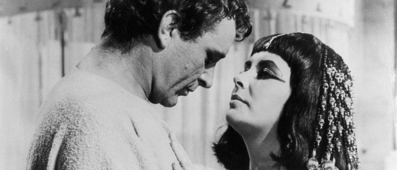 Richard Burton y Elizabeth Taylor en Cleopatra.