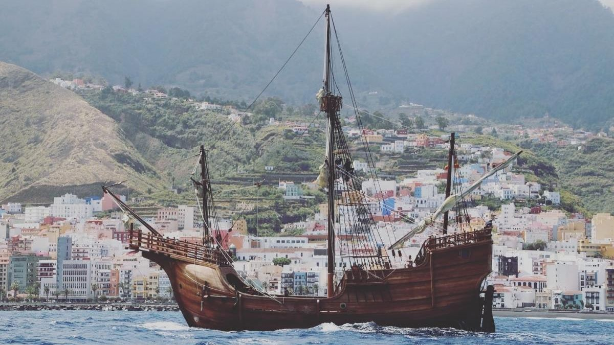 Una réplica de la Nao Santa María, la célebre nave capitana de Cristóbal Colón.