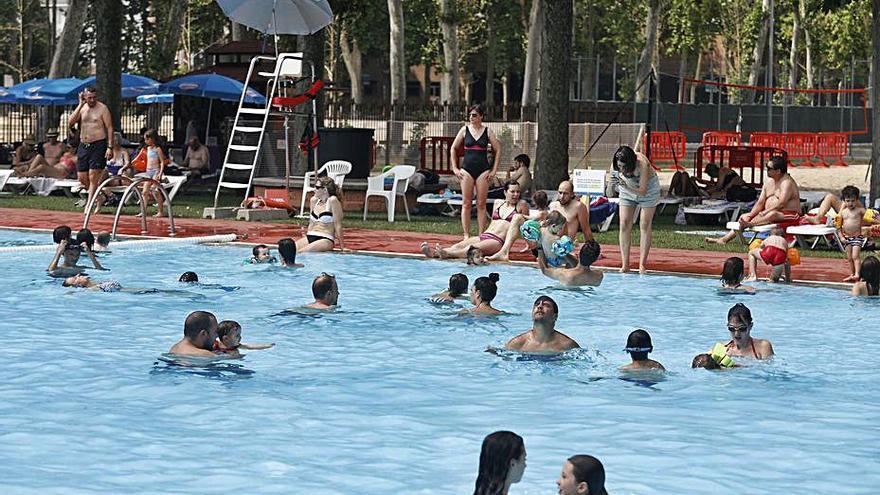 Les piscines exteriors de Girona i Salt inauguren la temporada d'estiu