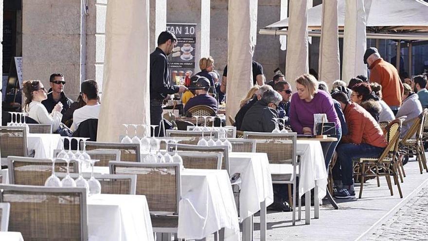 Restaurants i xefs afronten amb il·lusió el servei dels sopars