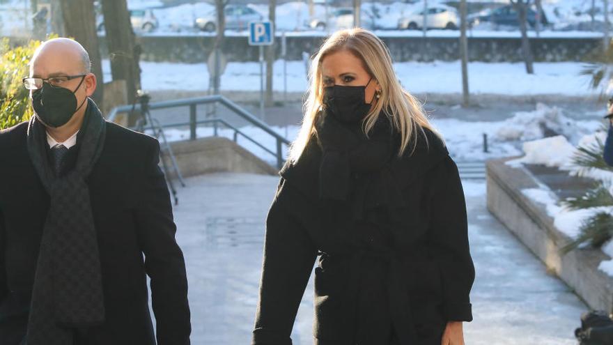Cifuentes llega a la Audiencia de Madrid para ser juzgada por el 'caso Máster'