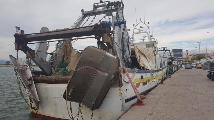 Barcos de arrastre de Castelló limpian de basura el fondo del mar Mediterráneo