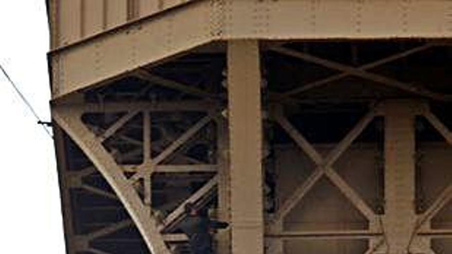 L'escalador que va obligar a buidar la torre Eiffel