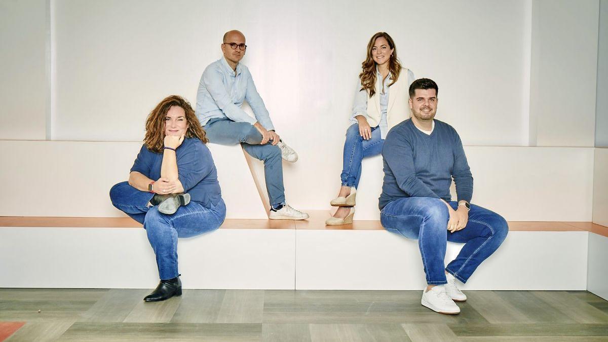 De izquierda a derecha: Sara Garay, directora de Brokerage Operations; Ramiro Martínez-Pardo, CEO; Miriam Ballesteros; directora de Marketing; y Benito Méndez, CTO.