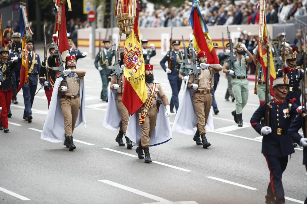 Grupo de regulares de Ceuta en el desfile del 12 ...